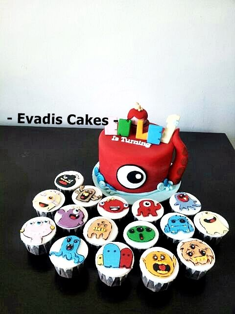 Picture of Monster Cake with Cupcakes