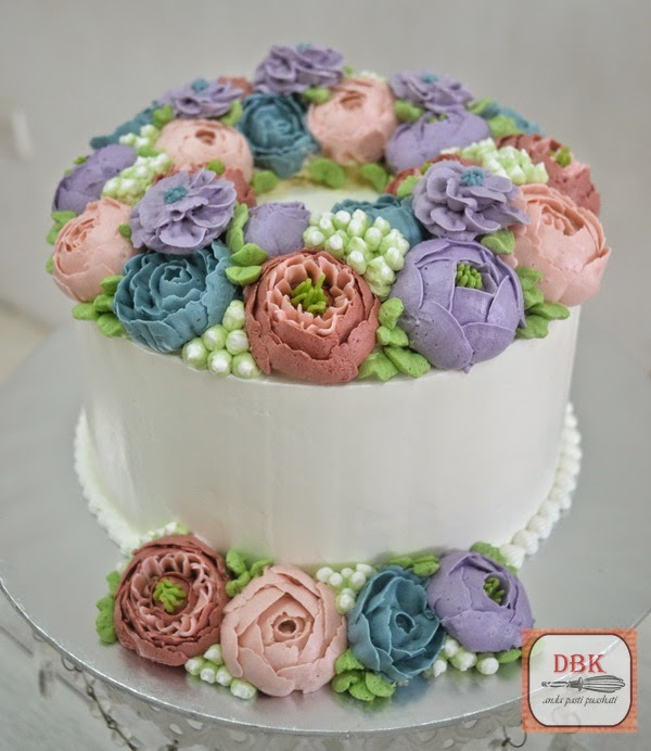 Floral Wreath Buttercream Cake