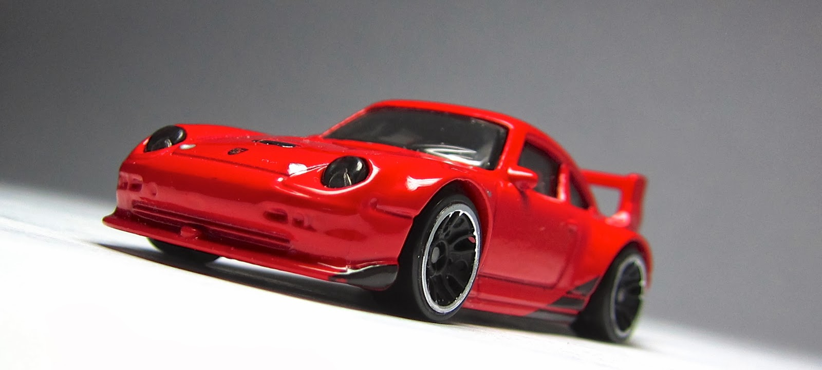 hot wheels porsche 911 gt2 red red porsche 911 gt2 hot wheels review by cgr garage youtube hot. Black Bedroom Furniture Sets. Home Design Ideas