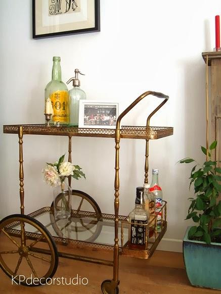 Carritos minibar online dorados. Muebles de época y decoración vintage