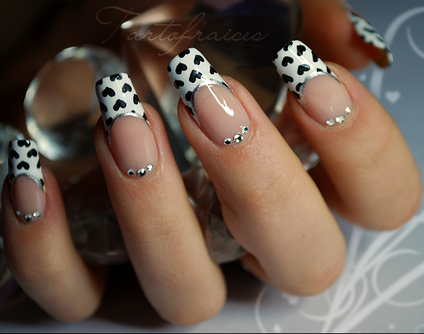 Nail Art Design 2014: Simple nail art black and white colour