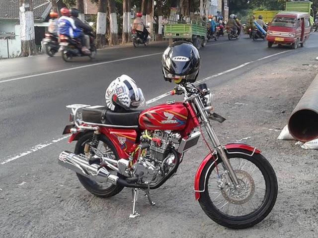 Foto Modifikasi Honda CB Merah Kinyis - Kinyis