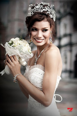 Chan Chan in Beautiful White Strapless Wedding Dress