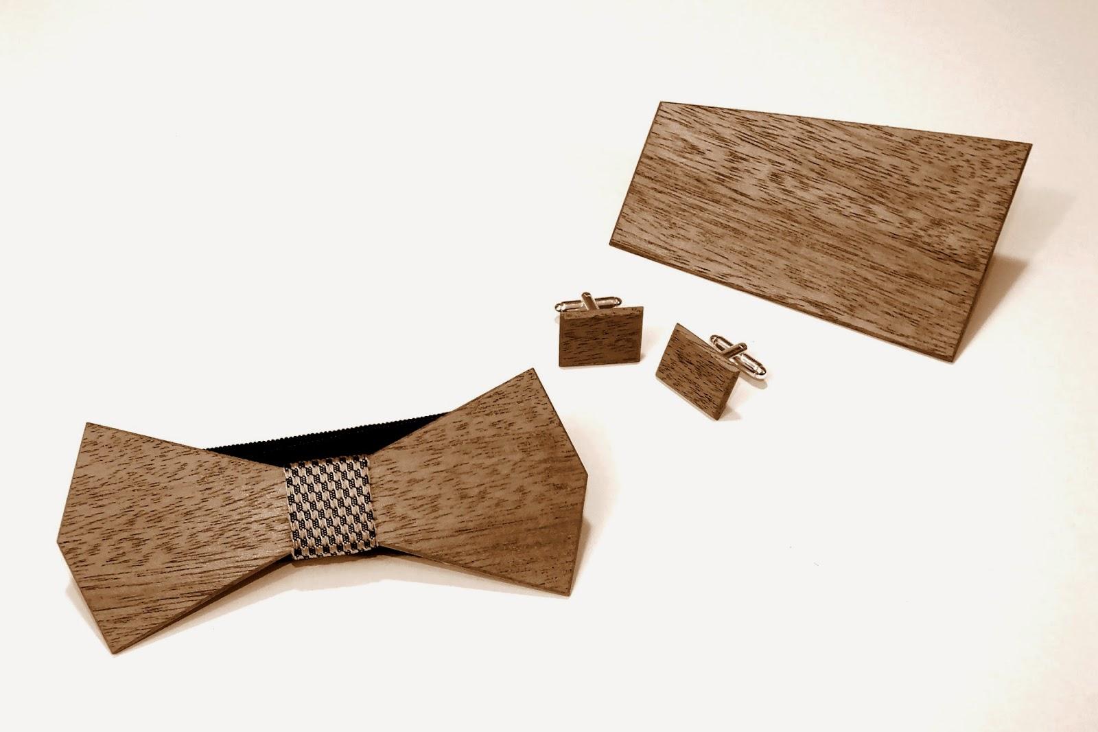 muszka z drewna, drewniana muszka, drewniane spinki do mankietów, drewniana poszetka, idealny pomysł na prezent, dla niego, prezent dla niego, akcesoria meskie, drewniane gadzety dla niego, oryginalny komplet na prezent
