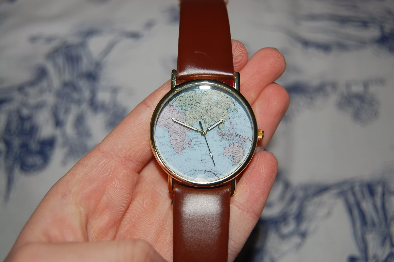 Little gold stars uk beauty and lifestyle blog all around the world map watch 250 ebay gumiabroncs Gallery