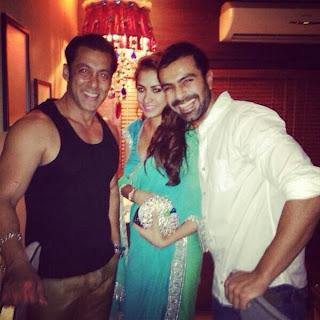 Salman Khan's Diwali 2013 Party images