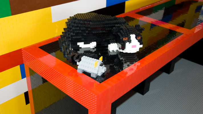 how to make a lego cat house