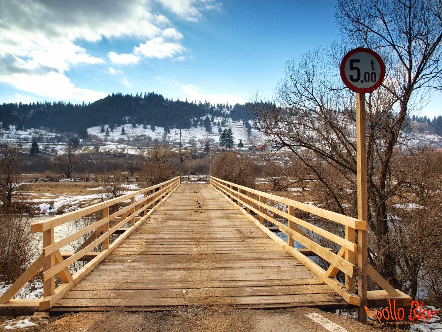 Pod de lemn reabilitat
