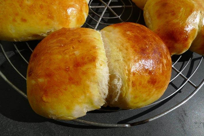 Petit pain au lait suisse potes and rollmops - Recette petit pain au lait ...