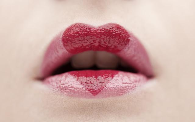 Lápiz Labial - Labios de Mujer