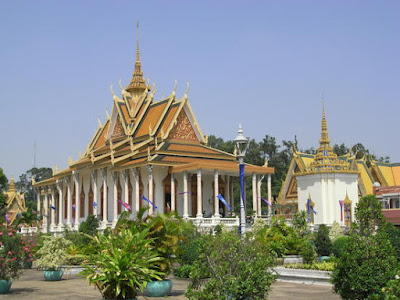 The most beautiful place in the world Most_beautiful_silver_pagoda_phnom_penh_cambodia