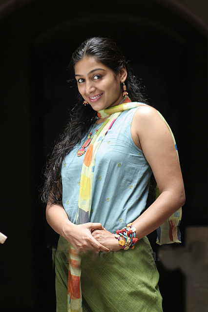 Corbee padmapriya for an item dance in malayalam movie amal neerad who is in the fore front with his experiments in makeover and styles will soon present a film that will have a mollywood village beauty shedding thecheapjerseys Choice Image