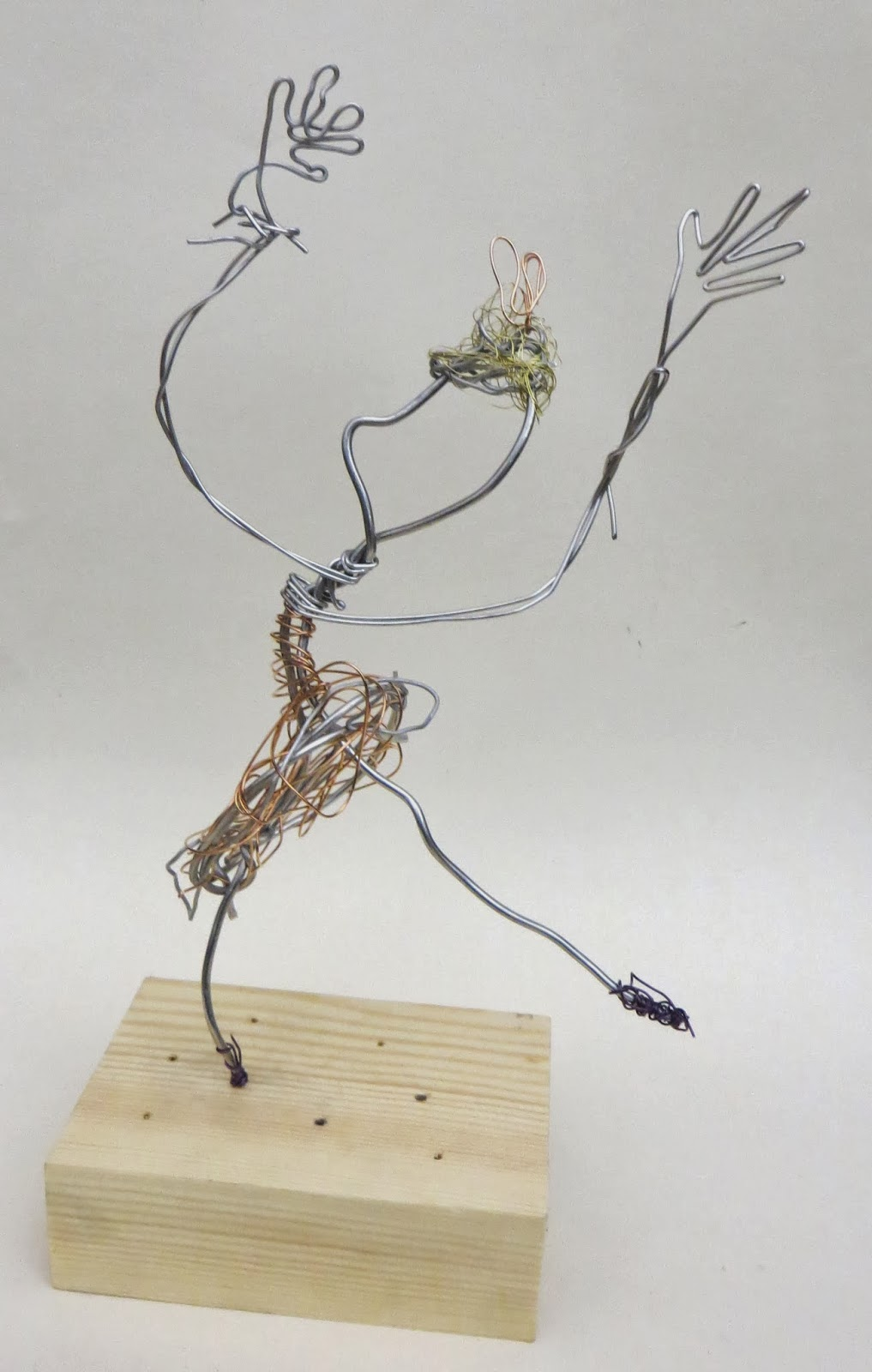 Susan\'s Art Club: Wire Figure Sculptures