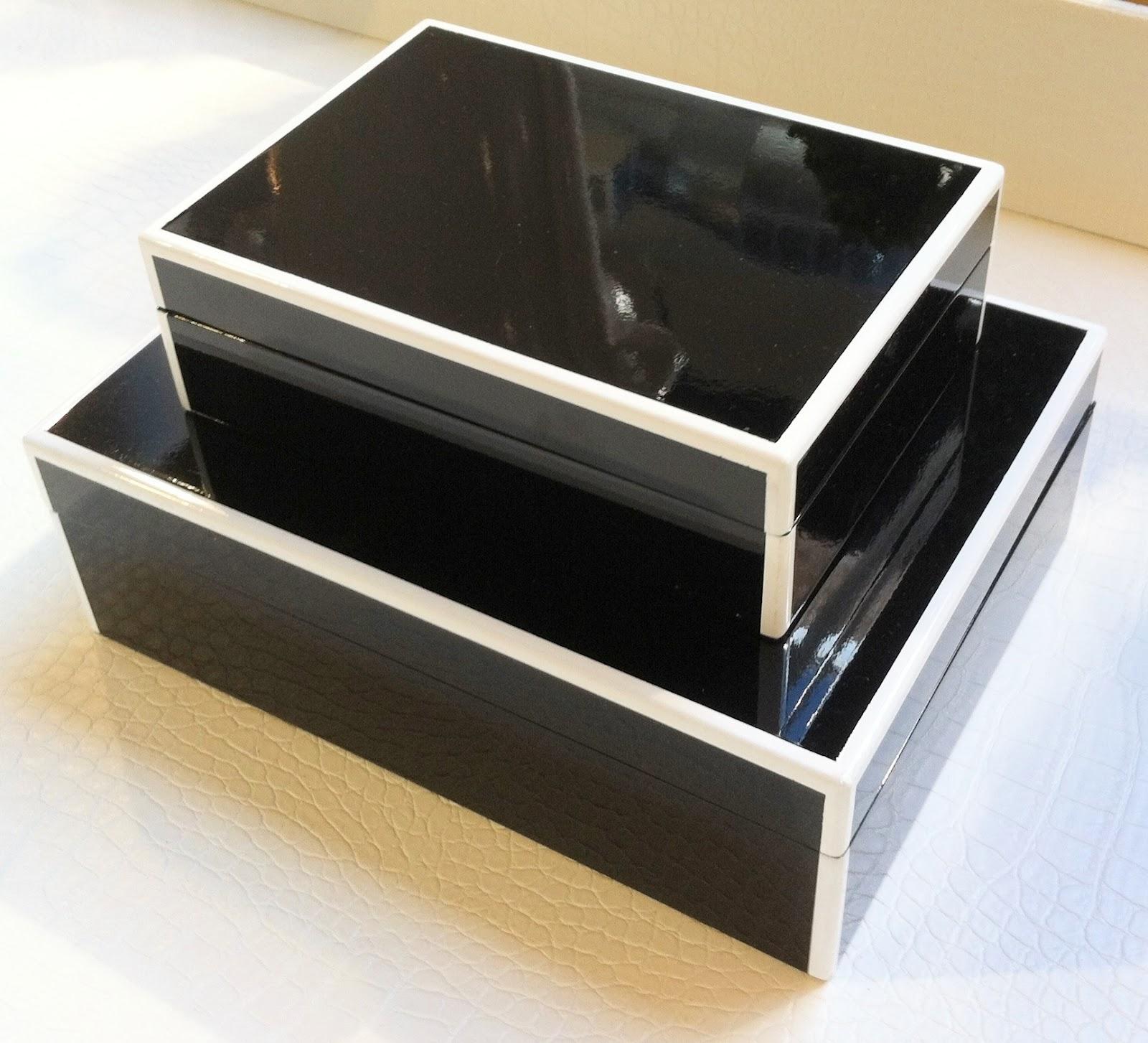 Merveilleux Elle Lacquer Storage Boxes In Black U0026 White