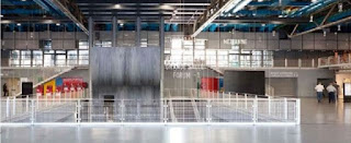 Maison tour à l'intérieur du centre Pompidou