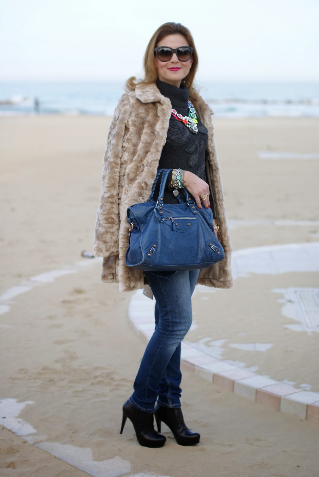 Belted beige faux fur, Balenciaga City bag, Zara skinny jeans, Fashion and Cookies, fashion blogger