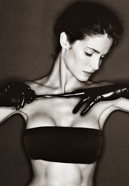 Fetish Inspirations : Stephanie Seymour With Latex Gloves