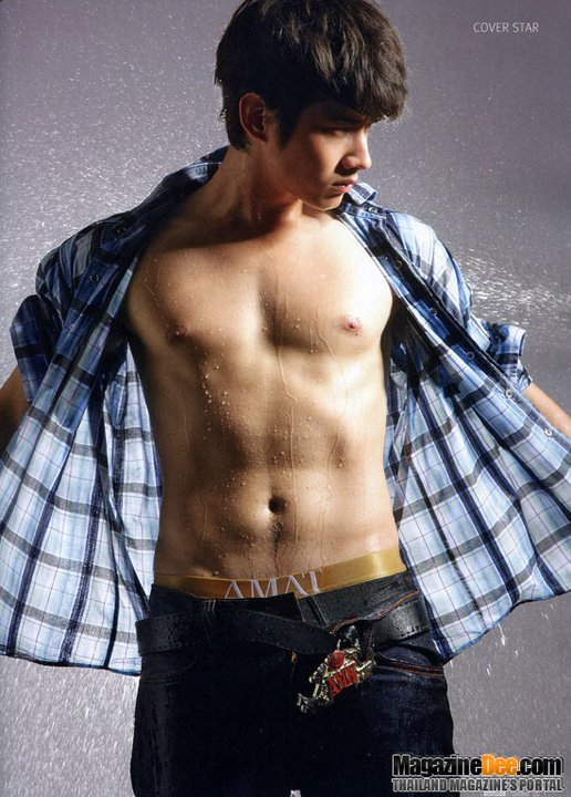 Naked photos of mario maurer