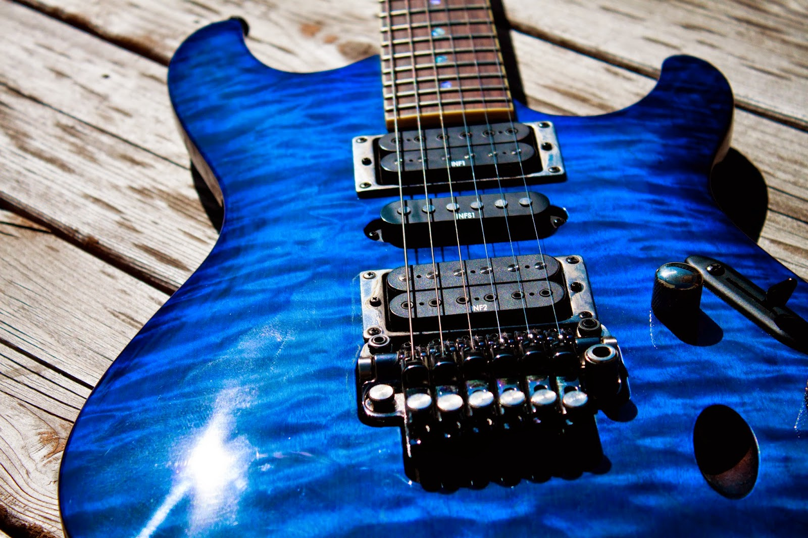 guitar intrumental blu color background desktop