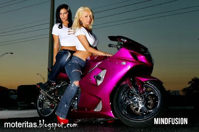 moto-sport-super-biker-love-world-race-nitro-turbo-girl-wallpaper