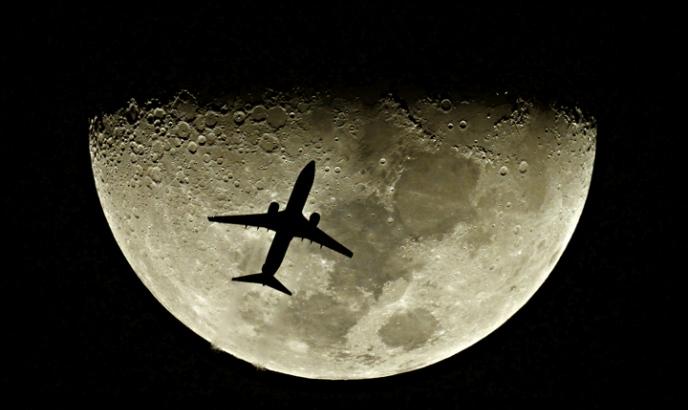 ☾   LA  LUNA  ... curiosidades , tópicos, leyendas....   ☸☽ Avi%C3%A3o+e+a+Lua
