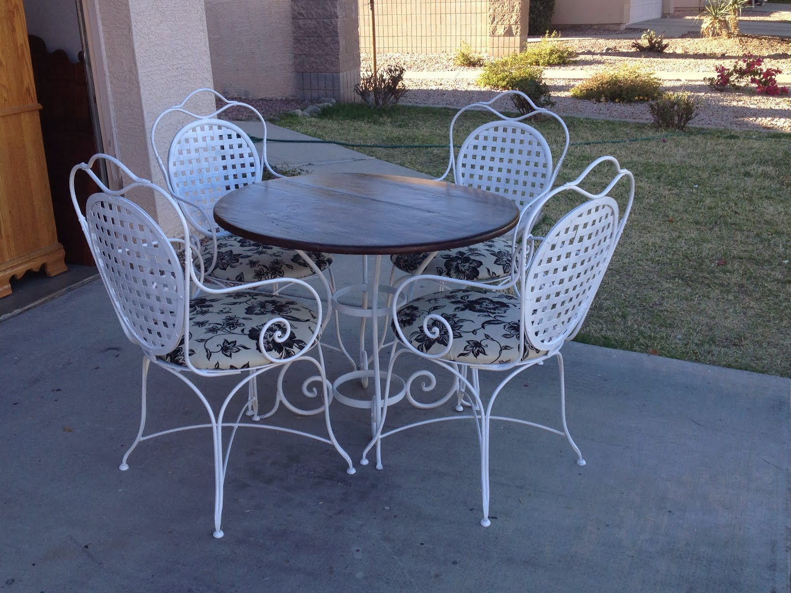 Shabby Chic Patio Set  *SOLD*