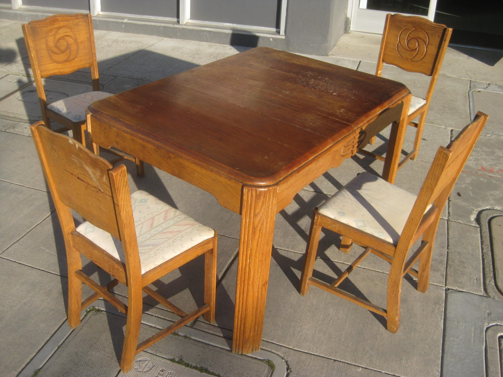Uhuru furniture collectibles sold 1930s table and 4 for 1930 kitchen table