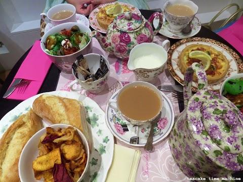 A Casual Tea Party Meetup!