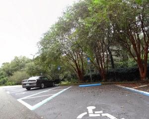 Behindertenparkplatz Alfred B Maclay Gardens State Park in Tallahassee Florida USA