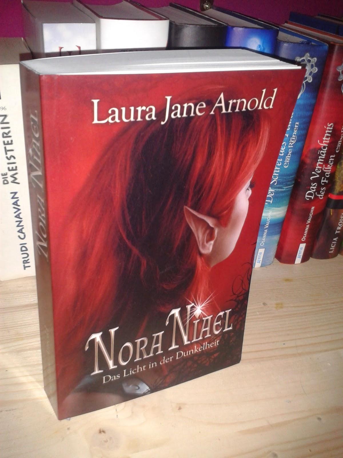 http://www.amazon.de/Nora-Niael-Das-Licht-Dunkelheit/dp/1495485439/ref=sr_1_1?s=books&ie=UTF8&qid=1398428379&sr=1-1&keywords=Nora+Niael