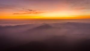 Horizon before sunrise, view from Pumara Parvatha peak
