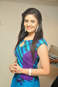 Sri Mukhi latest Photos at Muse Arts Gallery-thumbnail-13