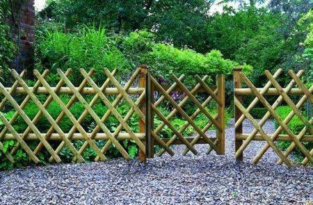 Bamboo Garden Fencing2