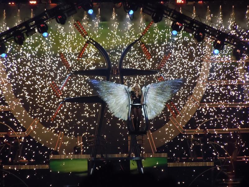Britney Spears Femme Fatale angel finale