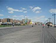 The boardwalk unites the other CI with the Fun Parks