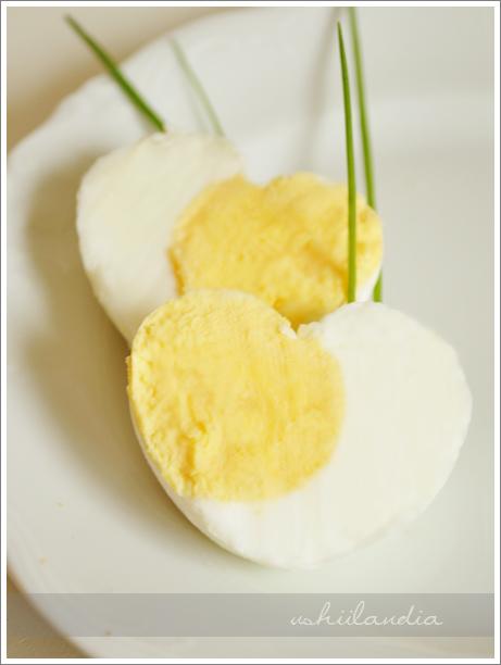 jajko na twardo w kształcie serca