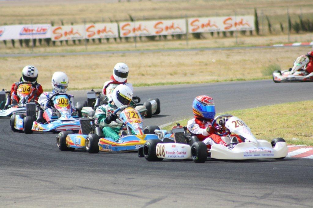 Circuito Zuera : M k karting animada jornada en el circuito