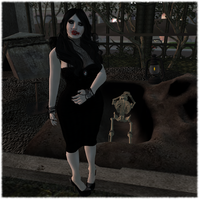 Graveside Vampiress