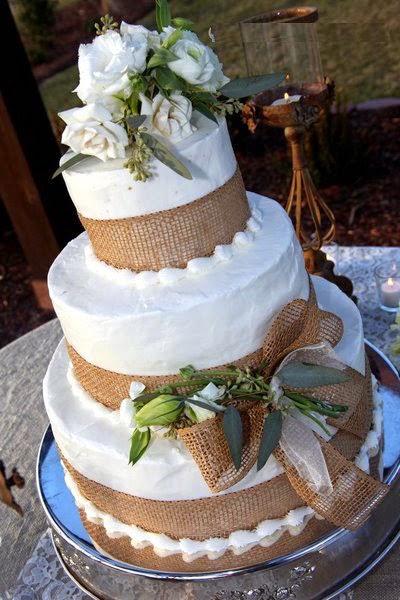 decoracao casamento juta : decoracao casamento juta:Apresentação do bolo de casamento: usar alguma juta paraenvolver