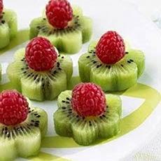 Pratos natalinos decorados com frutas