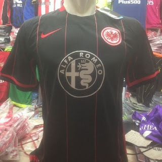 gambar desain terbaru jersey Frankfurt musim depan di enkosa sport toko online terpercaya lokasi di jakarta pasar tanah abang