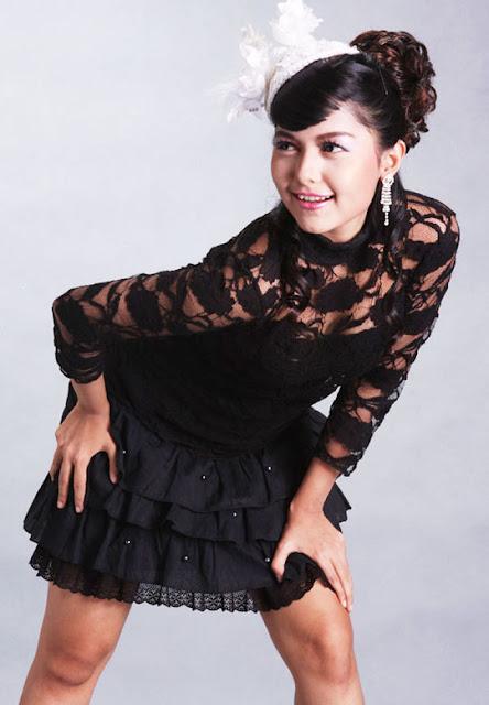 famous cute singer yadanar my