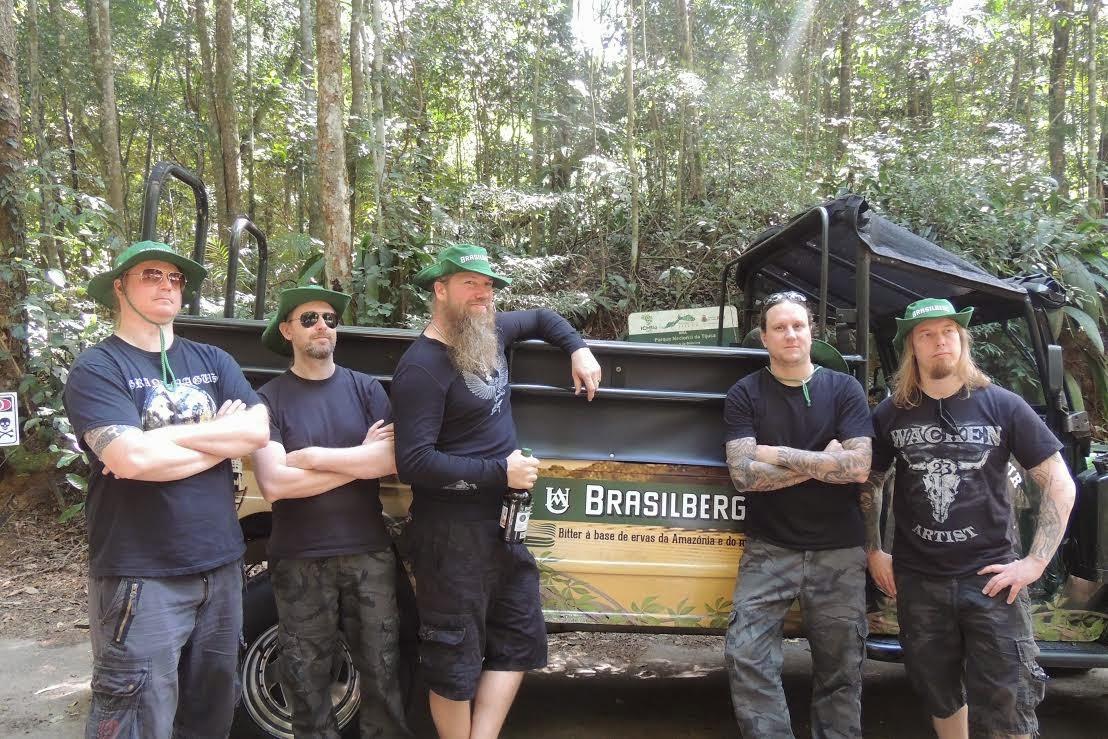 Banda sueca faz passeio de Jeep Tour pela Floresta da Tijuca