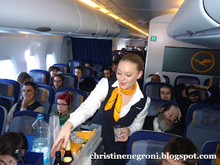 Flight+attendants+luft+2.jpg