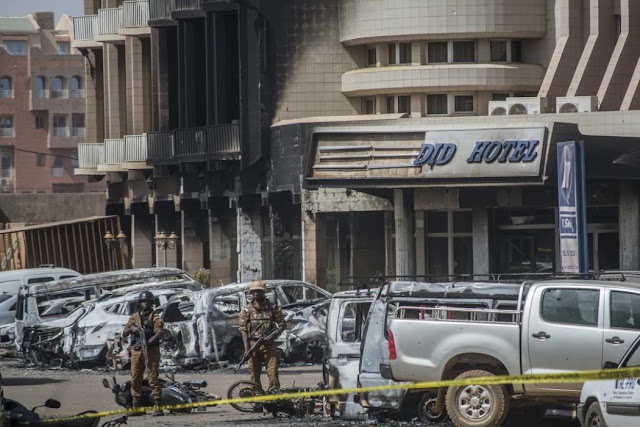 Photos: Al-Qaida attacks hotel in Burkina Faso 1