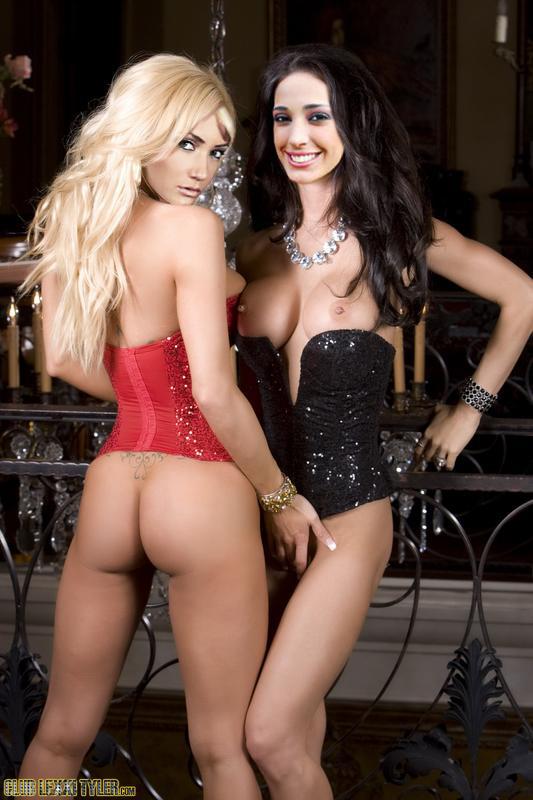 Maria Rene Antelo Desnuda En Dos Fotomontajes De Seo Lesbico