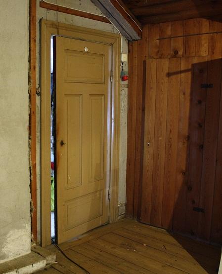 gamla fina dörrar