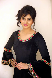 Shamili gorgeous looking Pictures 004