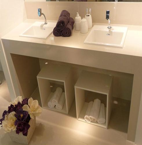 Porcelanato muito além de um simples piso!  Comprando Meu Apê  Comprando M -> Pia De Banheiro Feito Com Porcelanato