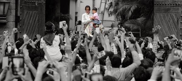 Amitabh Bachchan with Aaradhya bachchan at Jalsa